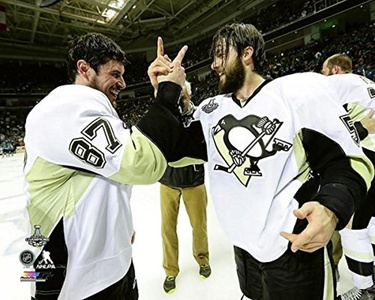 Sidney Crosby Kris Letang Pittsburgh Penguins 2016 NHL Stanley Cup Champions Celebration Photo