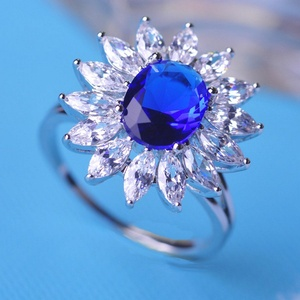 Cherryn Jewelry Luxurious Rhinestone Ring CZ Zirconia Prong Setting Crystal Rhodium Plated Wedding Anel Feminino UK