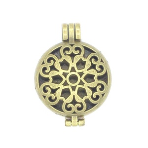 5pcs Bronze Heart Floating Locket Openable Pendant Aromatherapy Essential Oil Diffuser For Necklace DIY
