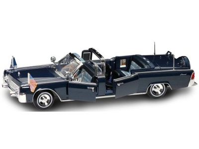 Diecast Model Lincoln X-100 Kennedy Limousine in Dark Blue by Road Signature