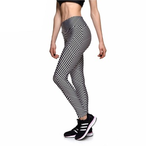 Women Black and White Illusion Striped Leggings (Medium Size)
