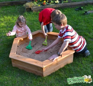 Wooden Children's 1.2m Hexagonal Sandpit with Underlay and Sand Pit Cover, Easy to assemble by Big Game Hunters