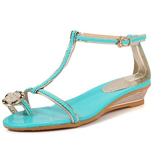 AIWEIYi Womesn Rhinestones T Strap Gladiator Flat Sandals