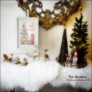 Christmas Mantle Decoration - Faux Snow - White Shag Faux Fur Sheepskin Pelt (2'x3', Snow White)