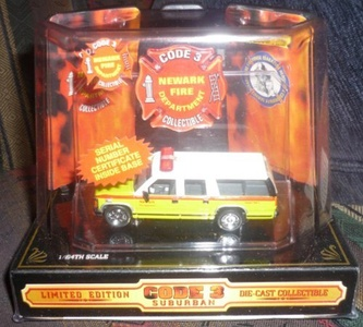 Code 3 Suburban Limited Edition Newark Fire Department Collectible by Code 3