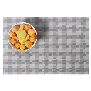 Lerela Anti-Skidding PVC Placemat Kitchen Dining Table Stain-Resistant Table Mat Set Of 4