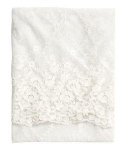 Hm 100% Nylon Lace Tablecloth
