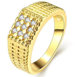 GemMart Jewelry New CZ Rhinestone Micro Pave Wedding Gold/Rose Gold Plated Engagement Jewelry Lover's Finger Ring Anel