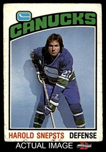 1976 O-Pee-Chee NHL # 366 Harold Snepsts Vancouver Canucks (Hockey Card) Dean's Cards 2 - GOOD