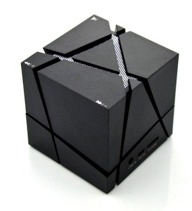 Magic cube Qone creativily dazzle colour wireless bluetooth speakers Support TF card Hands free Subwoofer Mini colorful Wireless Bluetooth Speaker