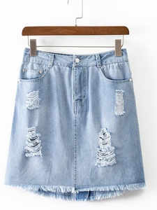 Pockets and Zipper Ripped Denim Skirt