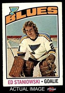 1976 O-Pee-Chee NHL # 104 Ed Staniowski St. Louis Blues (Hockey Card) Dean's Cards 3 - VG