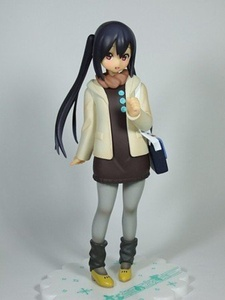 K-lottery premium movie best! E award!. Nakano Azusa graduation trip ver Premium Figure (japan import) by K-ON!