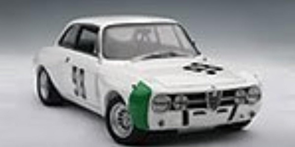 Alfa Romeo GT Am Monza 1970 Hezemans #98 AutoArt 1:18 by Auto Art Diecast Car Models