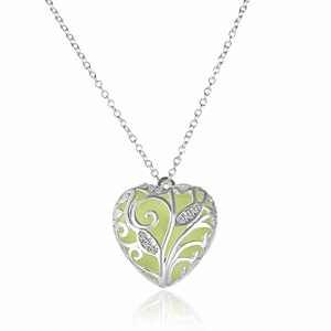Rinhoo Glow in the Dark Heart Locket Charm Pendant Ladies Jewelry(Green)