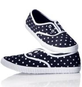 Avon Dotty Slip On Sneaker Size 8