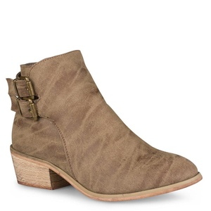 Twisted Women's Alexia Faux Leather Ankle Bootie- MOCHA, Size 10