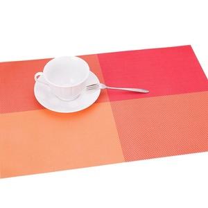 Lerela Non-Slip PVC Insulation Placemat Stain-Resistant Vinyl Dining Table Mat Set Of 4