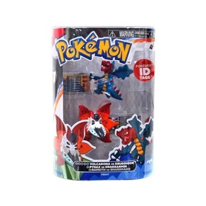 Pokemon Series 1 Volcarona vs Druddigon Action Figure 2-Pack by Pokemon Black & White Toys & Action Figures