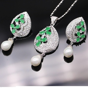 Silver Plated Water Drop Leaf Shape Jewelry Emerald Crystal Pearl Jewelry Set