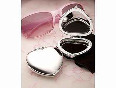 Pack of 6 Heart Shaped Compact Mirror Favours by Mirror Favours