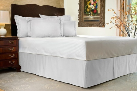 Brand New 3 Pc Bedskirt 700 TC White Striped Expanded Queen Size With 15