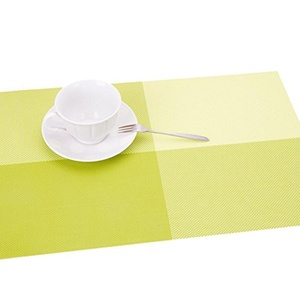 Lerela Grid Pattern Green Non-Slip PVC Placemat Washable Stain-Resistant For Table Heat Insulation Mat Set Of 4