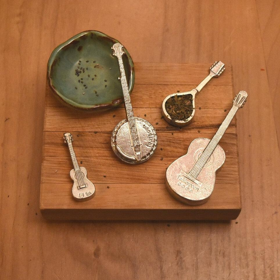 Measuring Spoons With Stand: Online Store: Americana Measuring Spoons- Guitar, Banjo
