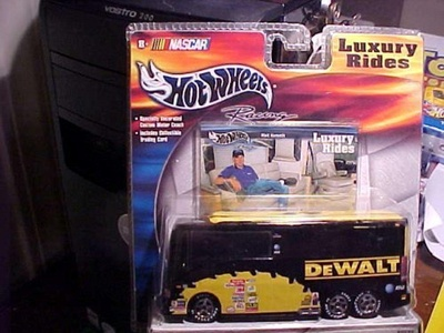 Hot Wheels Racing - MATT KENSETH - Luxury Rides DeWALT Motor Coach & Exclusive collector car showing Matt sitting on a couch inside the interior of the bus!! COOL by Luxury Rides