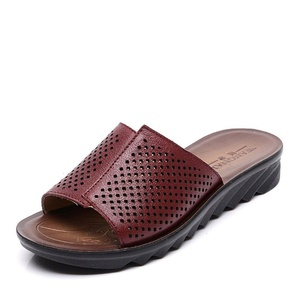 Leather ladies summer slipper/Home soft bottom middle and old aged mothers shoes/Plus size slippers-A Foot length=24.8CM(9.8Inch)