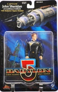 CAPTAIN JOHN SHERIDAN in EarthForce Uniform 6 Inch 1997 BABYLON 5 Action Figure and Mini Babylon 5 Space Station by Babylon 5
