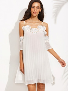 White Cold Shoulder Appliques Pleated Short Dress